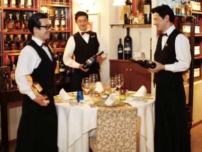 料理、サービス、ワインとどれも一級品を揃えている当店で、上質なスキルを身につけませんか?