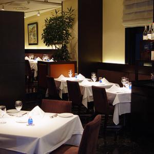 銀座にある高級イタリアンレストランで、店長候補としてご活躍を!飲食店勤務経験が活かせます。