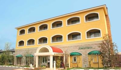 新オープンのホテル、および当社本社内にあるイタリアンレストランでサービススタッフを募集!