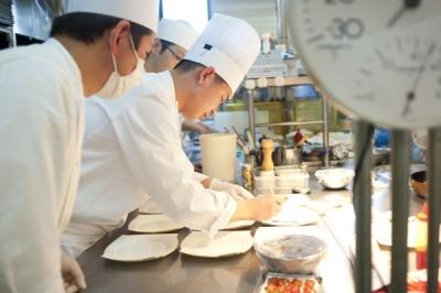 リゾートホテル・シティホテル等を国内外に49施設展開している当社で、調理スタッフを募集します!