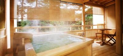 人気のリゾート地、軽井沢にあるホテルでフロントスタッフとして働こう!