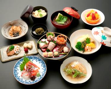 季節感あふれる料理の数々も自慢のひとつ。