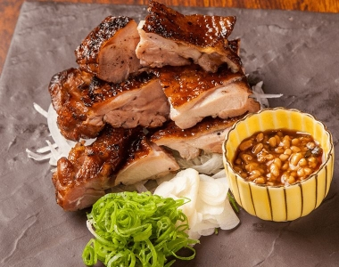 カツオや地鶏など、土佐の食材を豪快にわら焼きして提供しています☆