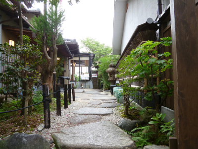 多くの出会いがある街「京都」で、あなたも働いてみませんか?