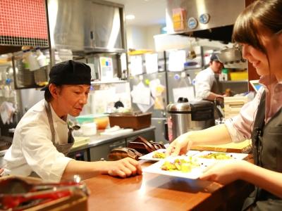 お客様のもとにもっていったときに最高の状態に仕上がる調理を意識