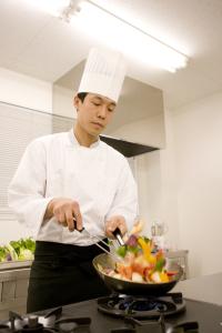 『おいしい料理は愛情と工夫から』を社是に掲げ、手作り感ある料理を提供します