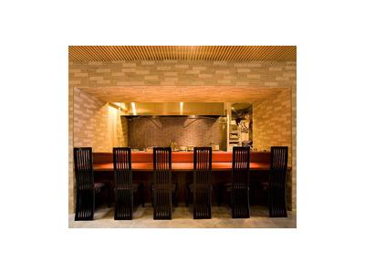 落ち着いた上質な空間で、毎日仕入れる鮮魚を使用したお料理をご提供しています