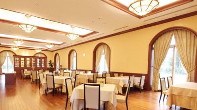 大手化粧品メーカーが運営しているホテル内レストラン。福利厚生も充実の安心の環境でお仕事できます。