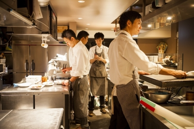 """""""カジュアル・リッチな焼肉レストラン""""をコンセプトに、都内に16店舗を展開!"""