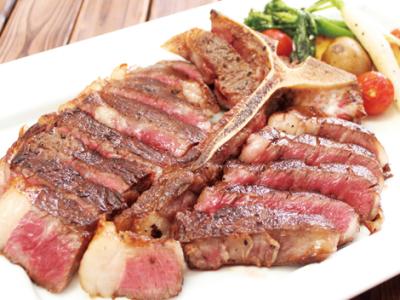 熟成肉や野菜ソムリエプロデュースによる産直野菜など、食材にこだわる肉バルで店長へステップアップ!