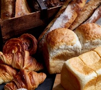 <福岡県福岡市天神>パリで人気の伝統的なパンや日本オリジナル商品が並ぶベーカリーショップ