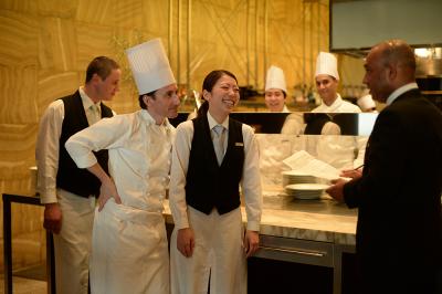 レストラン・宴会調理など活躍できるステージが多彩!料理人としてスキルアップが期待できます。