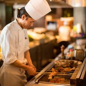 料理長にとどまらず、エリア長やマネージャー、さらに本部職まで、多岐にわたるキャリアプランあり。