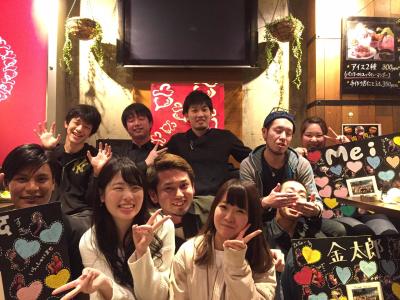 博多店で活躍中のスタッフたち!笑顔溢れる職場です。