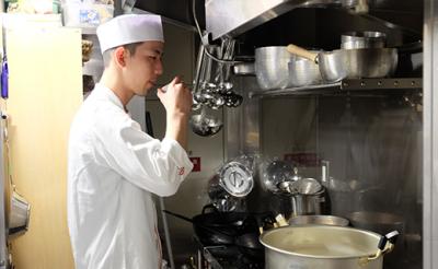 伝統を継承し、新たなスタイルを確立する日本料理店!都内で2ブランド・10店舗展開中。