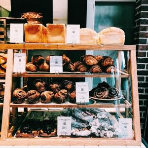 麻布十番に誕生する新しいベーカリーで製パンとパティシエのお仕事をおねがいします♪
