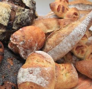 素材のよさをそのまま味わえる、丁寧なパン作りを行っています。
