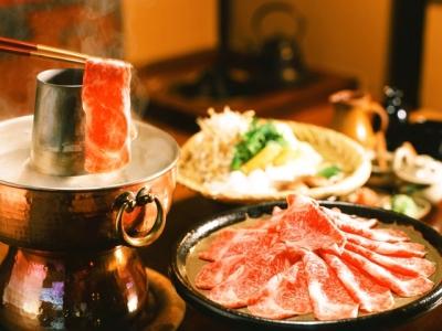 名古屋・新栄町から徒歩1分。名古屋で「元祖しゃぶしゃぶの店」として知られる、民芸割烹料理店!