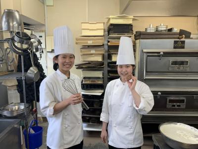 できたて・作りたてがモットーの『菓子工房Shinomura』。20代スタッフが中心となり、活躍中です