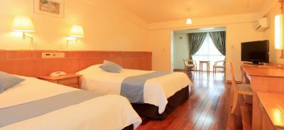 石垣島最大級のウォータースライダーやスパも完備しているホテル。ファミリーにも人気です。