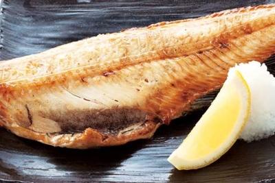 肉厚の縞ほっけを厳選し、長崎県産の海水塩のみで味付け。ふっくら仕上げました!