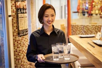 『鉄板神社』など、大阪の新しい名所として愛される全8店舗。