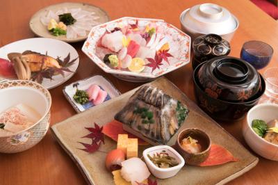 大阪市内の2店舗いずれかで、調理スタッフ(店長候補)として活躍しませんか?