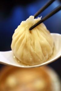 口コミサイトで大人気を博す中華料理店。2018年4月リニューアルオープン◎