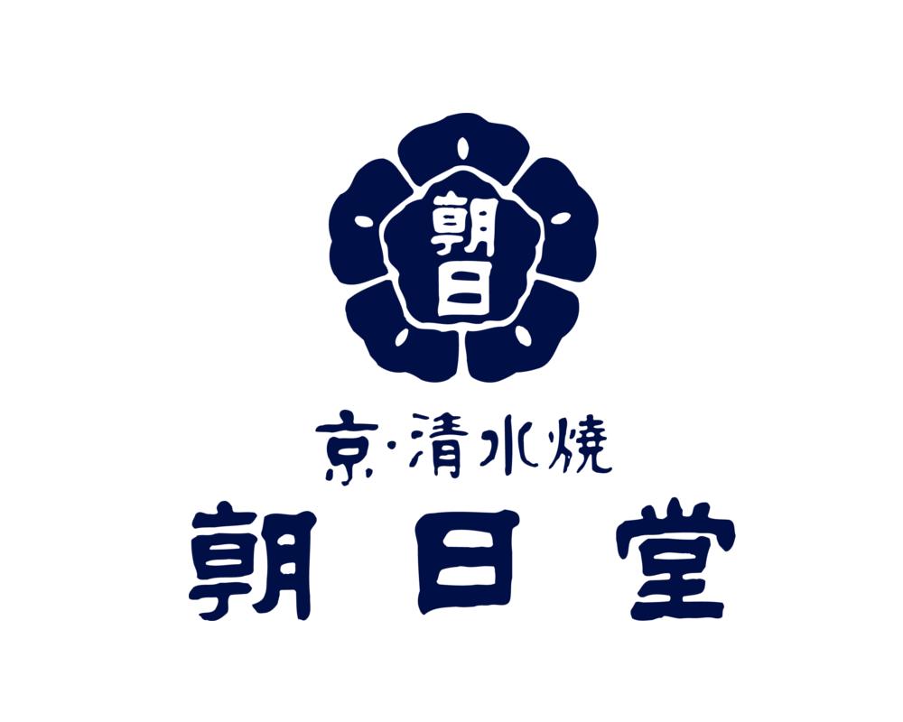 京の地酒・地ビールを京焼・清水焼の器で楽しめる、利き酒処です!