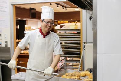 コツコツと継続することで、あらゆるパンを作れるようになりますよ。