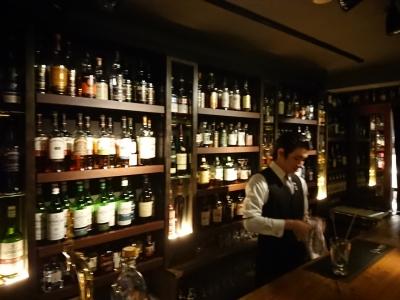 大人が集まる街・東京八重洲であこがれのバーテンダーになろう!未経験歓迎・週1日~OK★お酒好き・ウイスキー好きな方にぴったり◎時給1200円以上◎交通費全額支給