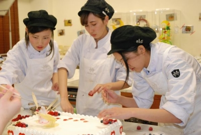 福岡の専門学校で、料理人の卵を育てる講師のお仕事です!
