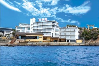 口コミサイトでも評判の、夕日と海の景色が楽しめる温泉旅館です