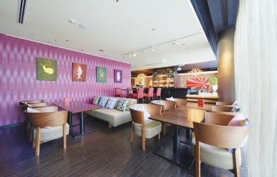 「クロスホテル札幌」でサービススタッフの募集です!札幌・大通に立地するスタイリッシュなホテルです