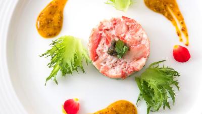 オールデイダイニングでは、富山県産の旬の食材を季節ごとに使い分けたブッフェをメインに提供しています