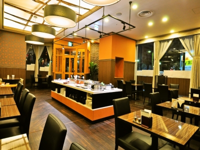 札幌市内で展開するホテル内のレストランで、料理人としてご活躍を。