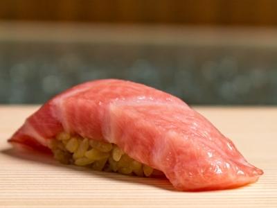 鮨・日本料理・フレンチ…多彩な業態を手がける企業で、店舗管理スタッフを募集します!