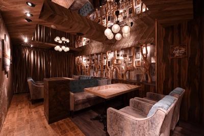 西海岸スタイルのオシャレな空間が広がるダイニングカフェ&バーです。