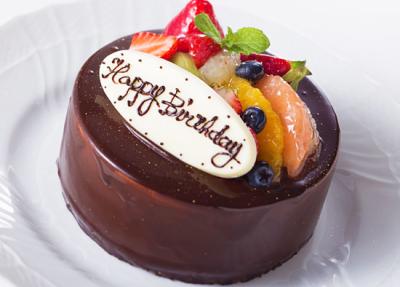 記念日にはアニバーサリーケーキのご予約も承っております。