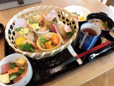 和食や洋食など様々な料理の提供を行っています。あなたの調理技術を活かして下さい!