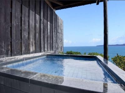 夏には、近くの海水浴場「小堺海水浴場」で海水浴を楽しむお客様も多いです。