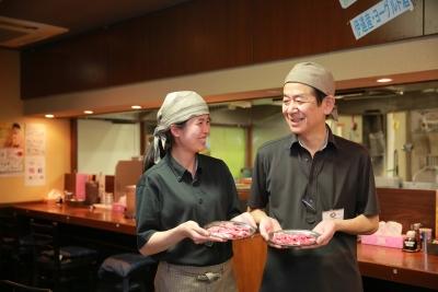 昼は名物のつけめん&スープカレー、夜は臭みがないラム肉が大好評のお店。