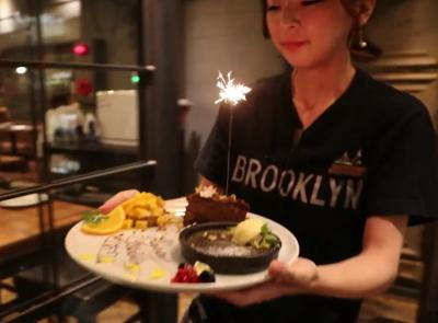 素敵な料理と接客で、お客様を喜ばせてください!