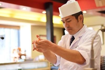 当社がFC運営する『金沢まいもん寿司 イオンモールナゴヤドーム前店』店で、寿司職人(店長候補)を募集