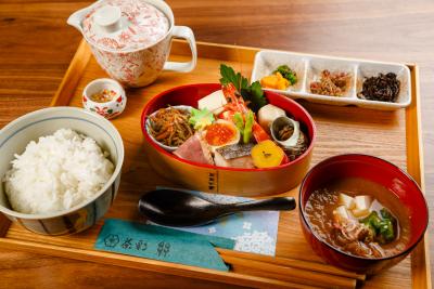 六本木駅からスグの好アクセス!女性のリピーターも多い「和カフェ」にてランチの調理をお任せします◎