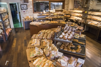「美味しい食事パンの店」をコンセプトに、多彩な商品をつくっています