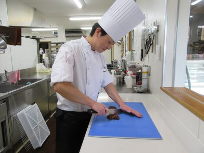 滋賀県の長浜市にある、ケーキや焼き菓子のお店です。店名は、フランス語で「幸せの種」という意味。