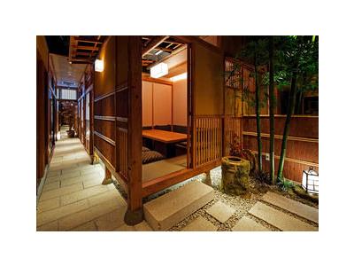 花街・神楽坂にある純和風の趣ある日本料理店にて、女将候補としてご活躍ください!