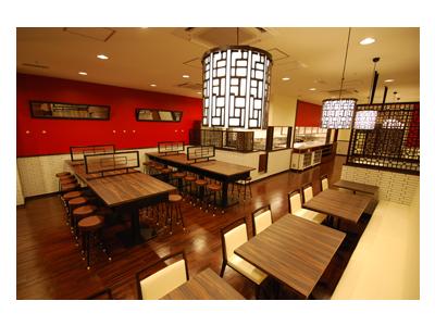 全国に80店舗以上を展開する老舗中華料理店!三宮にある店舗でホールスタッフとして活躍を◎