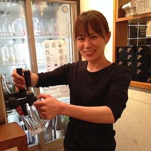美味しくてリーズナブルな立ち飲み居酒屋。京都市内にある3店舗で、ホールスタッフを募集中です!